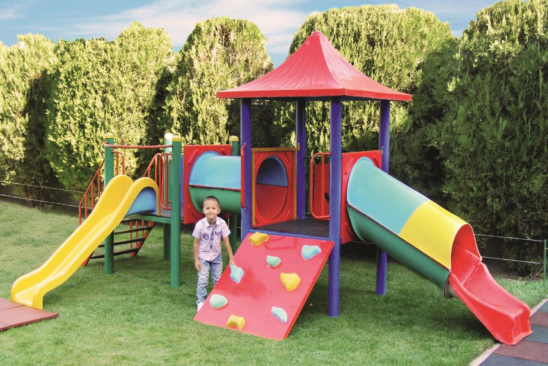 Tobogan copii, cu scara si cataratoare, M-2010, structura metalica, 530 x 300 x 270 cm