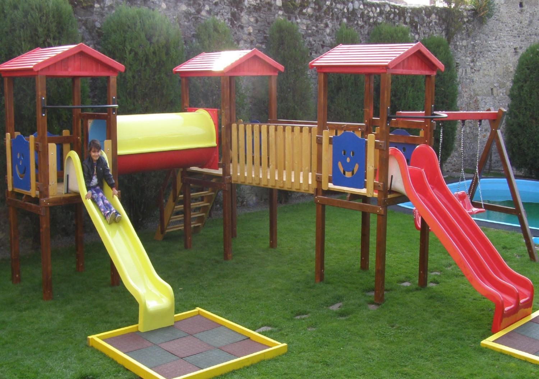 Tobogan copii, cu leagane si scara, M6-2009, structura lemn, 920 x 780 x 330