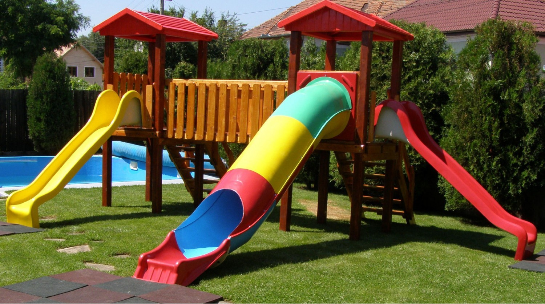Tobogan copii, cu scara si turnuri, CJ.38, structura lemn, 500 x 350 x 300 cm