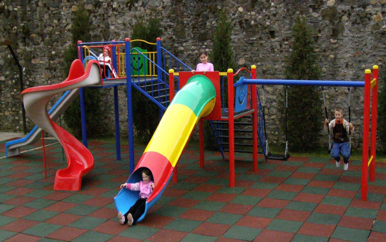 Tobogan copii, cu leagane si scara, CJ.32, structura metalica, 815 x 390 x 260 cm