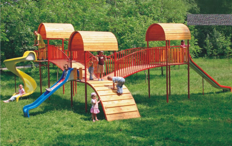 Tobogan copii, cu scara si turnuri, M2-2007, structura metalica, 820 x 715 x 380 cm