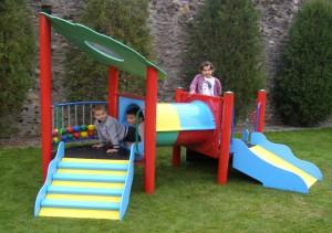 Complex de joaca copii, cu abac, M-2010, structura metalica, 250 x 160 x 180 cm