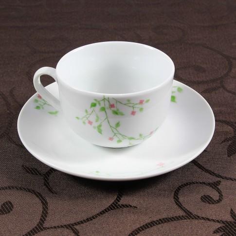 Ceasca si farfurioara cafea D3823, portelan, alb cu model floral, 220 ml