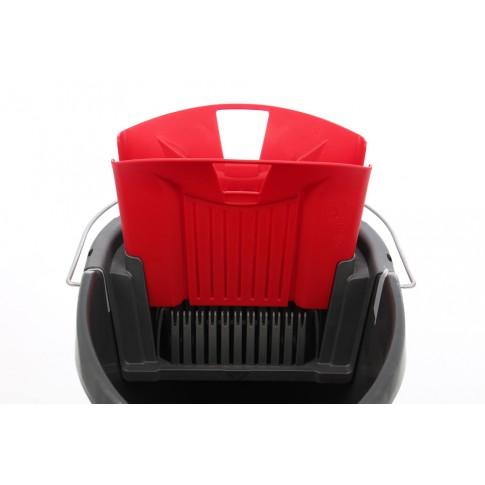 Galeata din plastic cu storcator pentru mop plat Vileda Ultramax, rosie, 10L