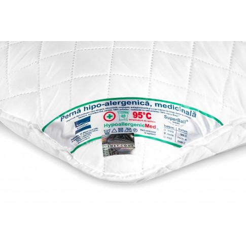 Perna pentru dormit Minet Hypoallergenic, microfibra 100% poliester + poliester 100% Superball, alb, 50 x 70 cm