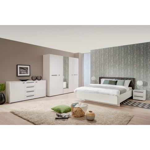 Pat dormitor Ksanti, matrimonial, tapitat, alb + gri, 180 x 200 cm, 4C