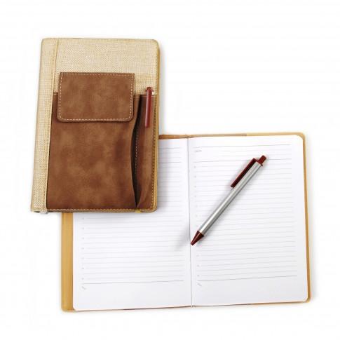 Agenda nedatata, cu buzunar si pix, format A5, diverse culori, 224 pagini