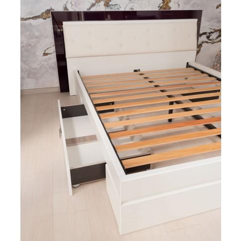 Pat dormitor Vogue, matrimonial, tapitat, cu sertare, alb front + mov lucios, 180 x 200 cm, 5C
