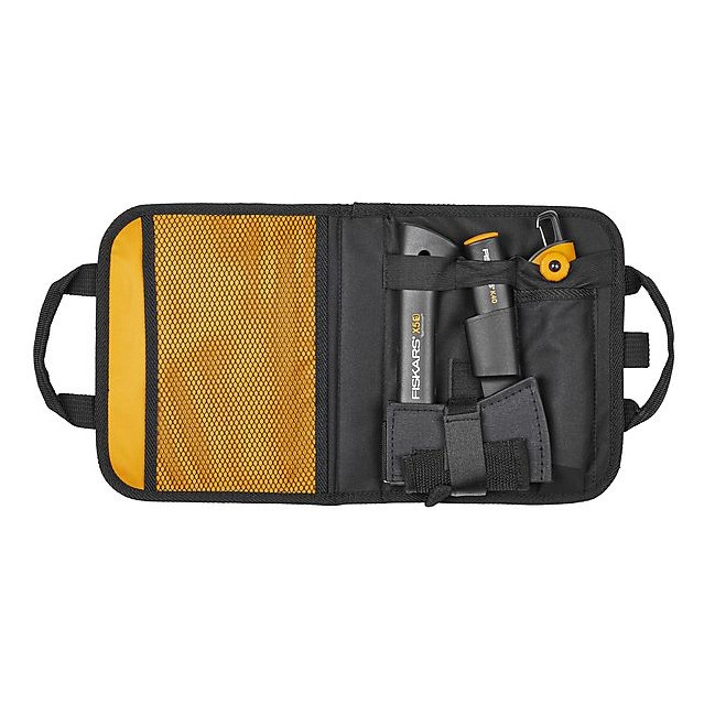 Pachet promo pentru camping Fiskars: topor X5 + cutit utilitar + fierastrau retractabil + geanta