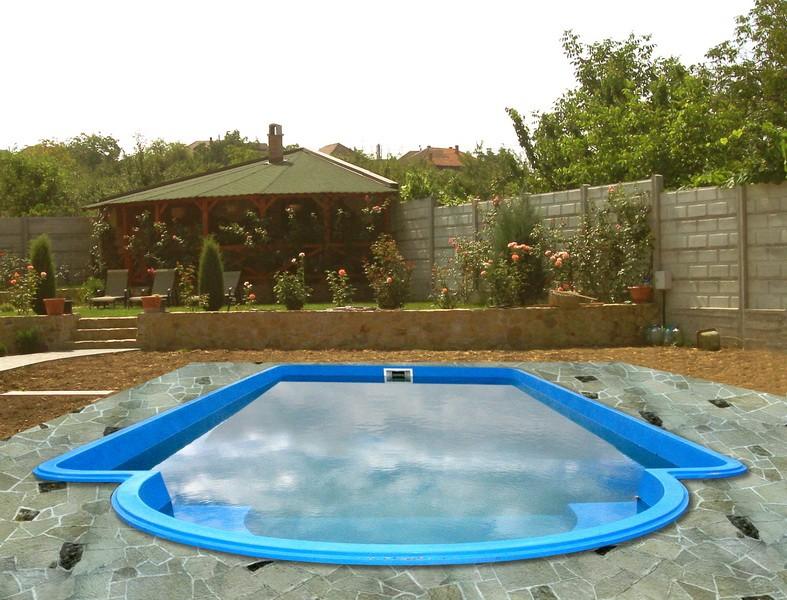 Dedeman piscina monaco izolata sistem complet piscine for Piscine ingropate
