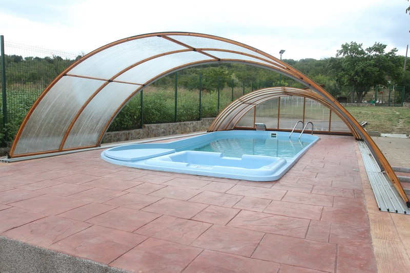 Dedeman piscina ibiza izolata sistem complet piscine for Piscine ingropate