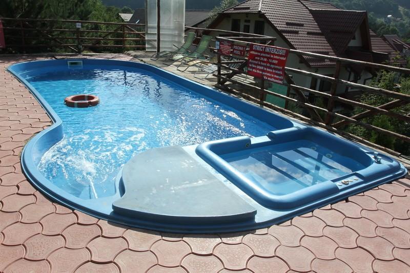 Dedeman piscina ibiza izolata sistem complet dedicat for Piscine ingropate