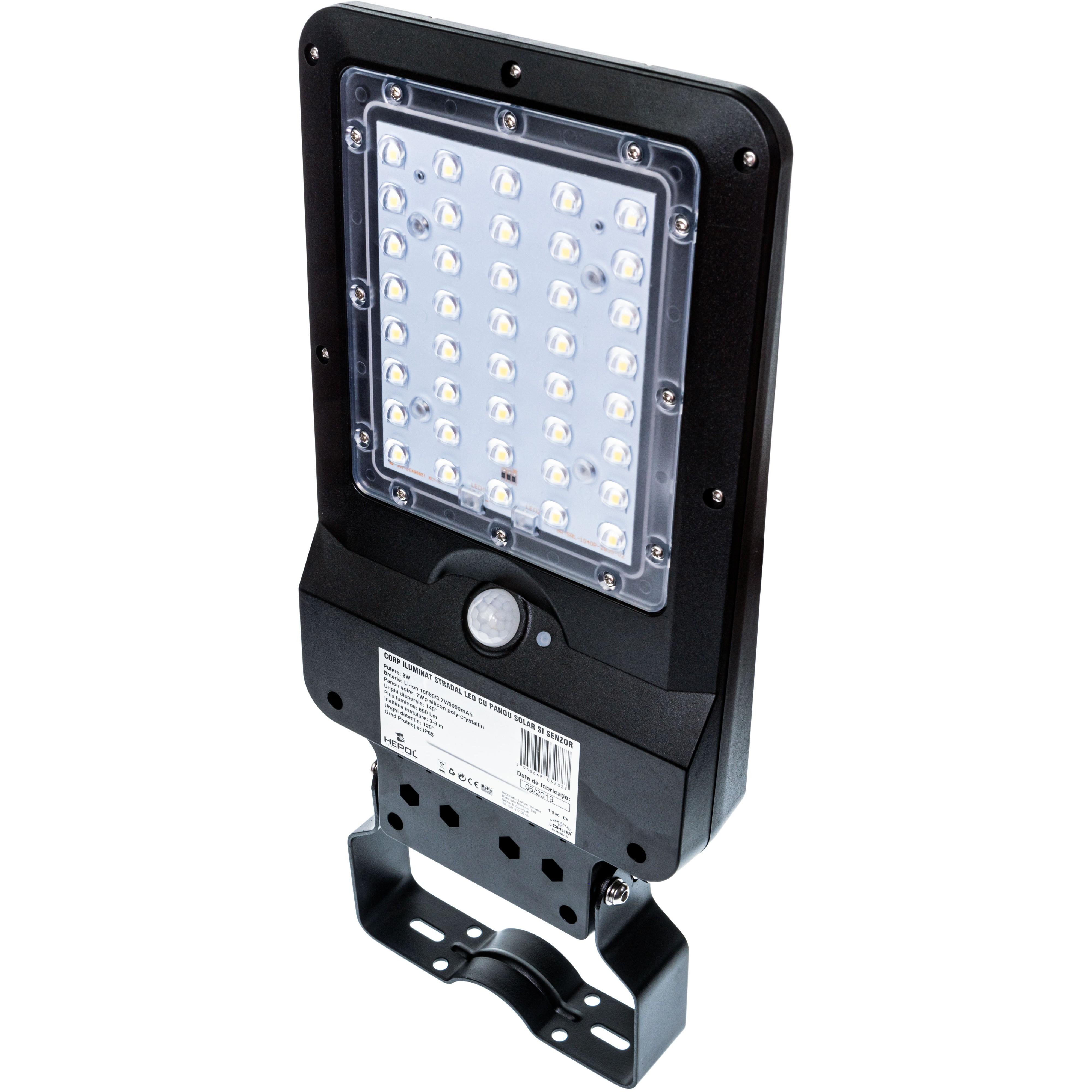 Dedeman Corp De Iluminat Stradal Solar Led 8w 850 Lm Lumina Rece 6500 K Cu Senzor De Miscare Ip65 Dedicat Planurilor Tale