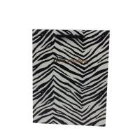 Punga cadou KDBM S, din carton, alb + negru, 18 x 23 x 10 cm