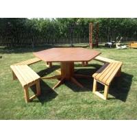 Set masa dreptunghiulara, cu 5 banci, pentru gradina Dafios, din lemn